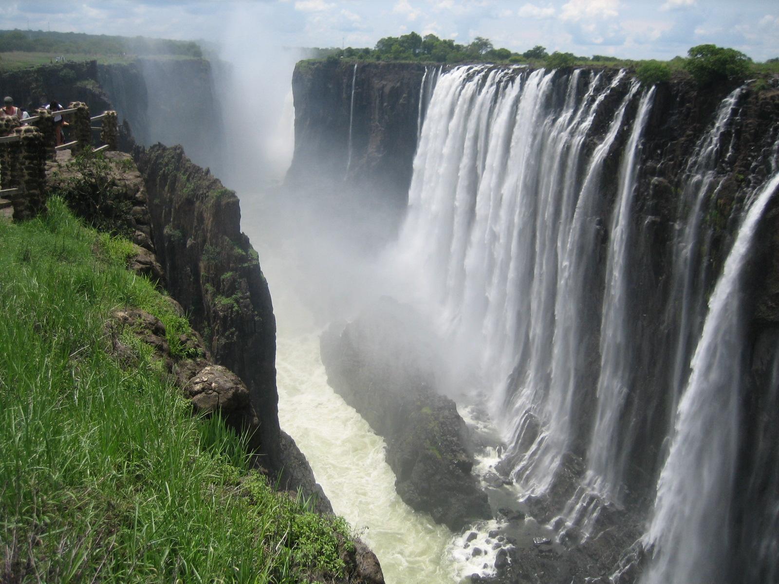 Info chutes victoria zambie for Chutes victoria piscine du diable